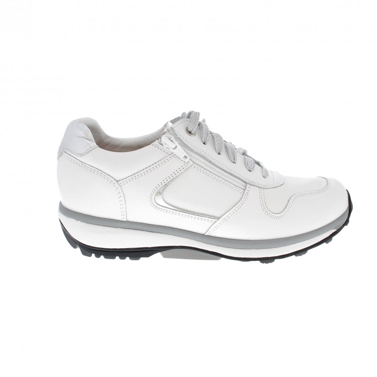 Xsensible-witte-schoene-voor-de-zorg